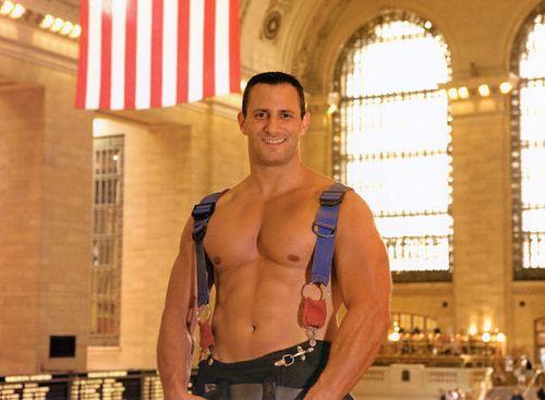 09-sep-2010-FDNY-Firefighters-Calendar-Guys-09