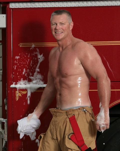 Firefighters-Calendar-Guys-Gallery-8-011